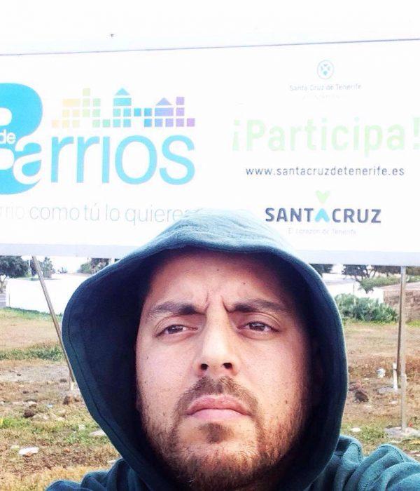 Vivir en el barrio de La Gallega, dentro de una ciudad que paga impuestos morales.